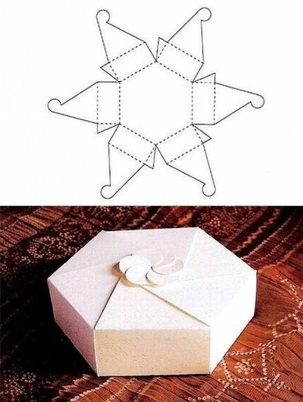 Как сделать коробочку из бумаги на новый год