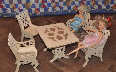 Кукольная мебель своими руками - как сделать стол, стул, кровать для кукол Барби