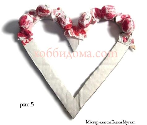 Сердечки из конфет своими руками для начинающих пошагово фото