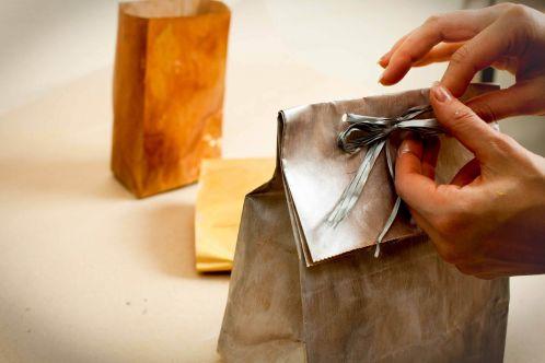 Как сделать подарок близким своими руками