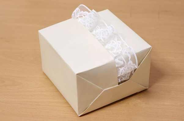 Варианты упаковки подарков на свадьбу