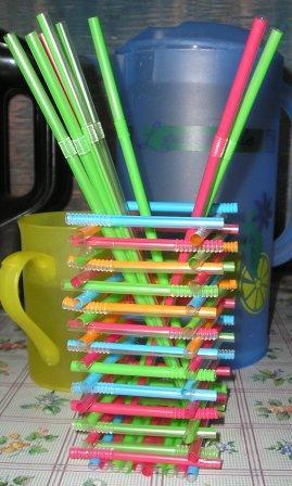 Рамка из трубочек для коктейля