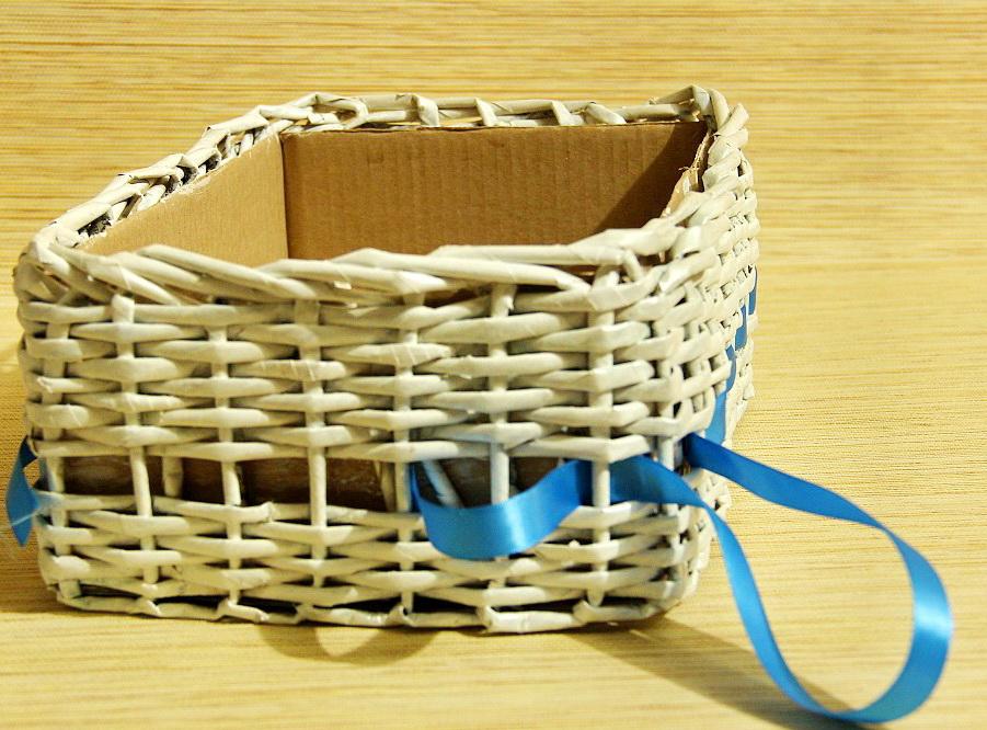 Плетение из газетных трубочек коробок мастер класс 17