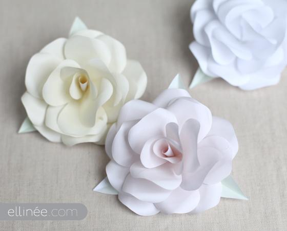 Цветы из белого материала