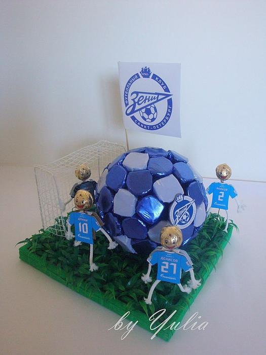Конфетный мяч для футболиста