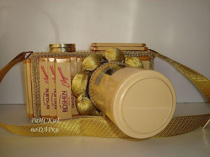 Сладкий фотоаппарат из кофе и шоколада