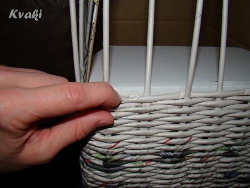 Как сделать из газетных трубочек корзину своими руками