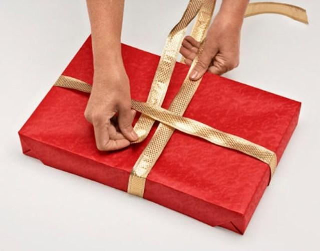 Как лучше упаковать подарок 745