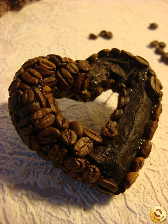 Сердечки из кофейных зерен своими руками фото