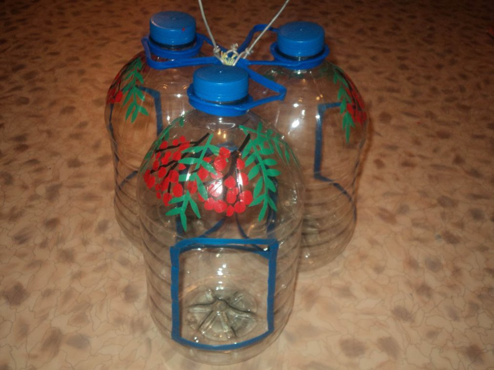 Кормушка из пластиковой бутылки своими руками для птиц