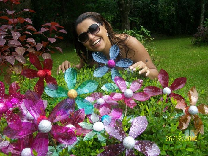 Цветы из пластиковых бутылок мастер класс для сада