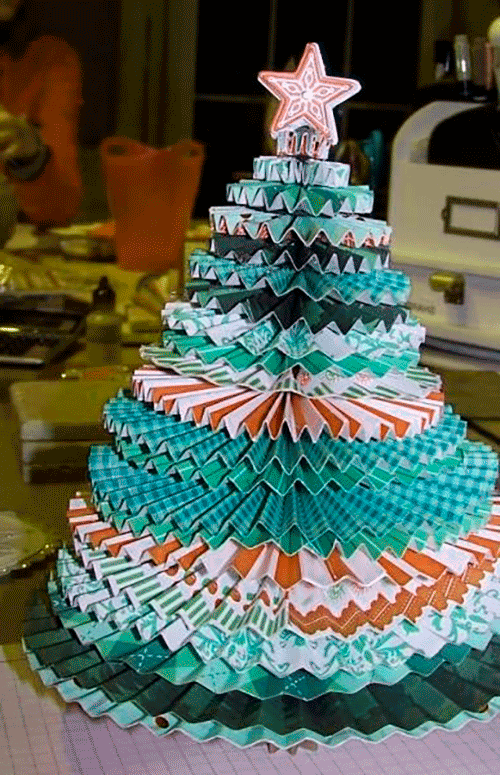 Как сделать елку из подручных материалов своими руками