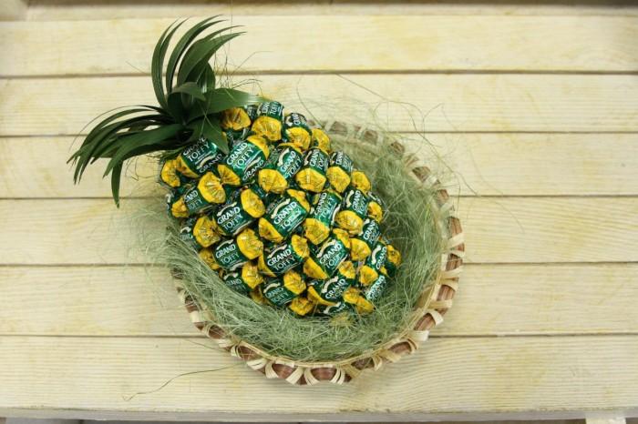 Как сделать ананас из конфет своими руками мастер класс